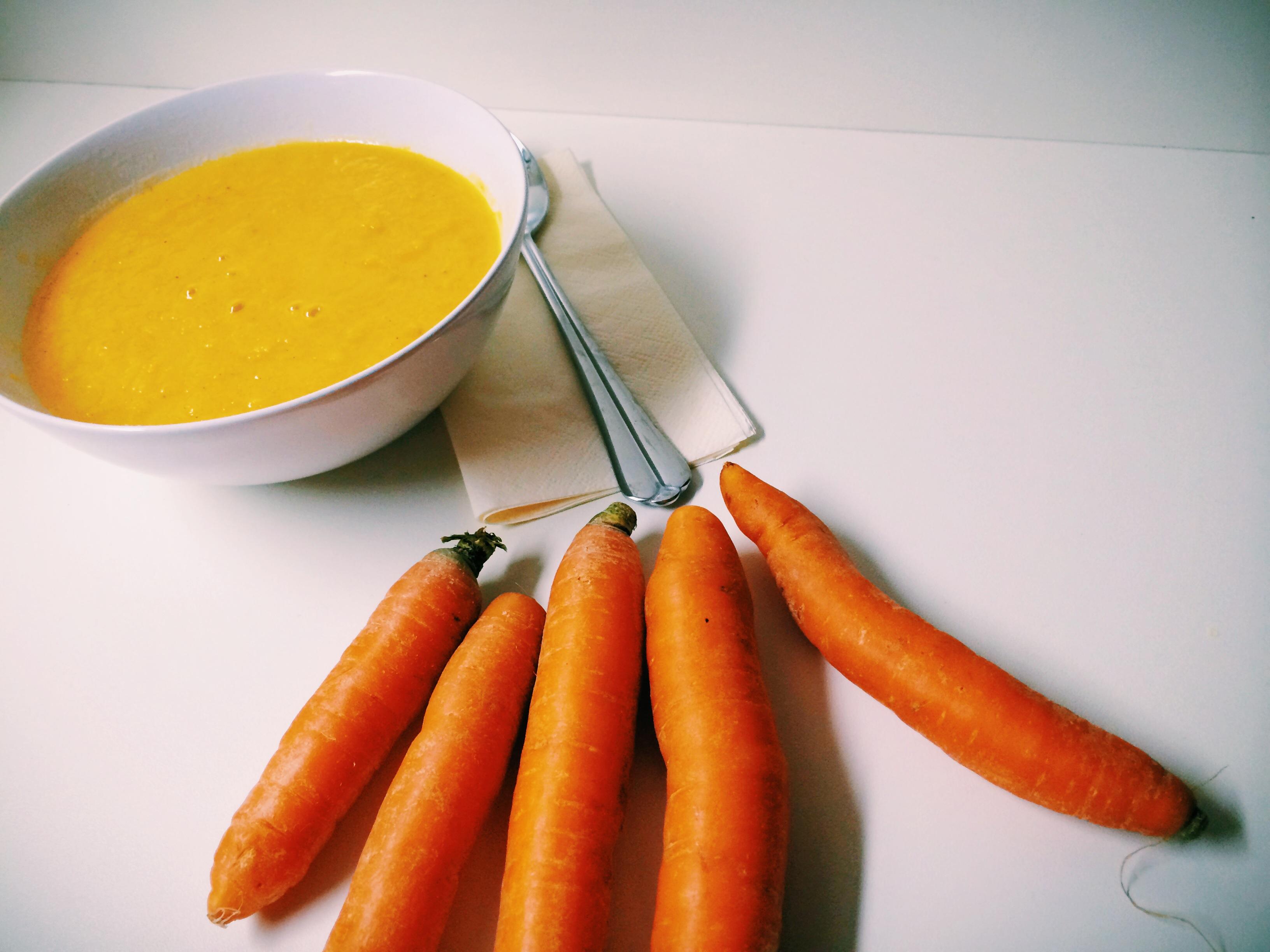 Herbstzeit ist Suppenkasperzeit – Karotten Ingwer Suppe