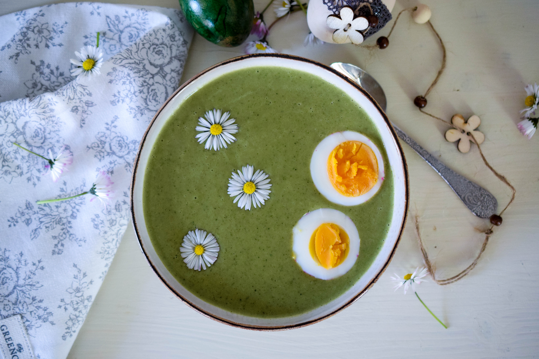 Frühlingshafte Brokkolicremesuppe