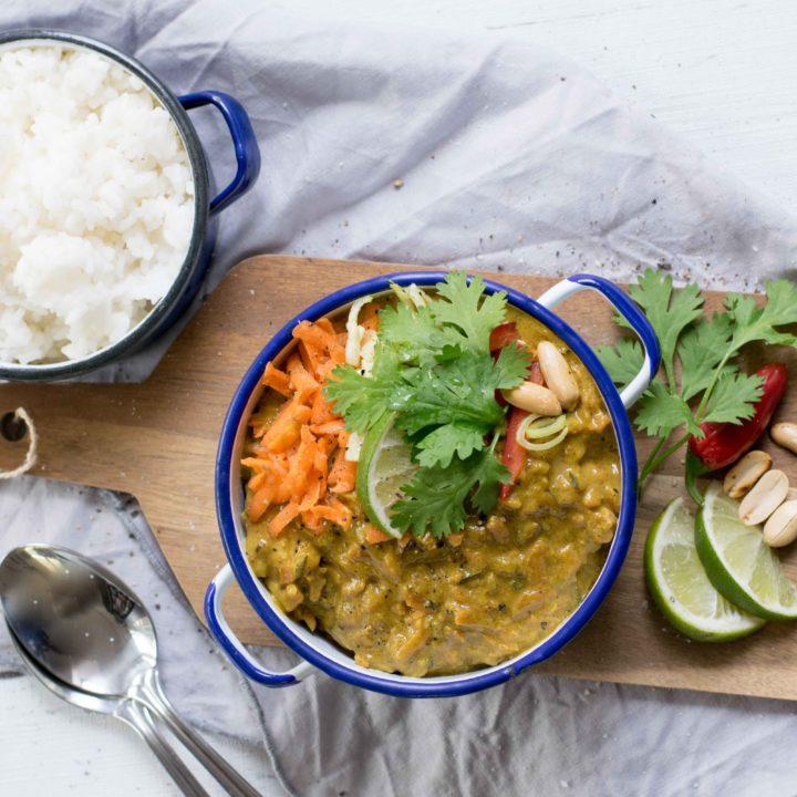 Schnell zubereitet – Hühnchen in Kokos-Gemüse-Sauce