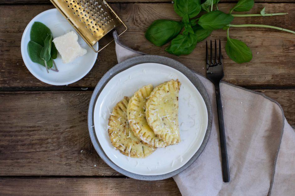 Bärlauch Ravioli in Salbei Butter geschwenkt
