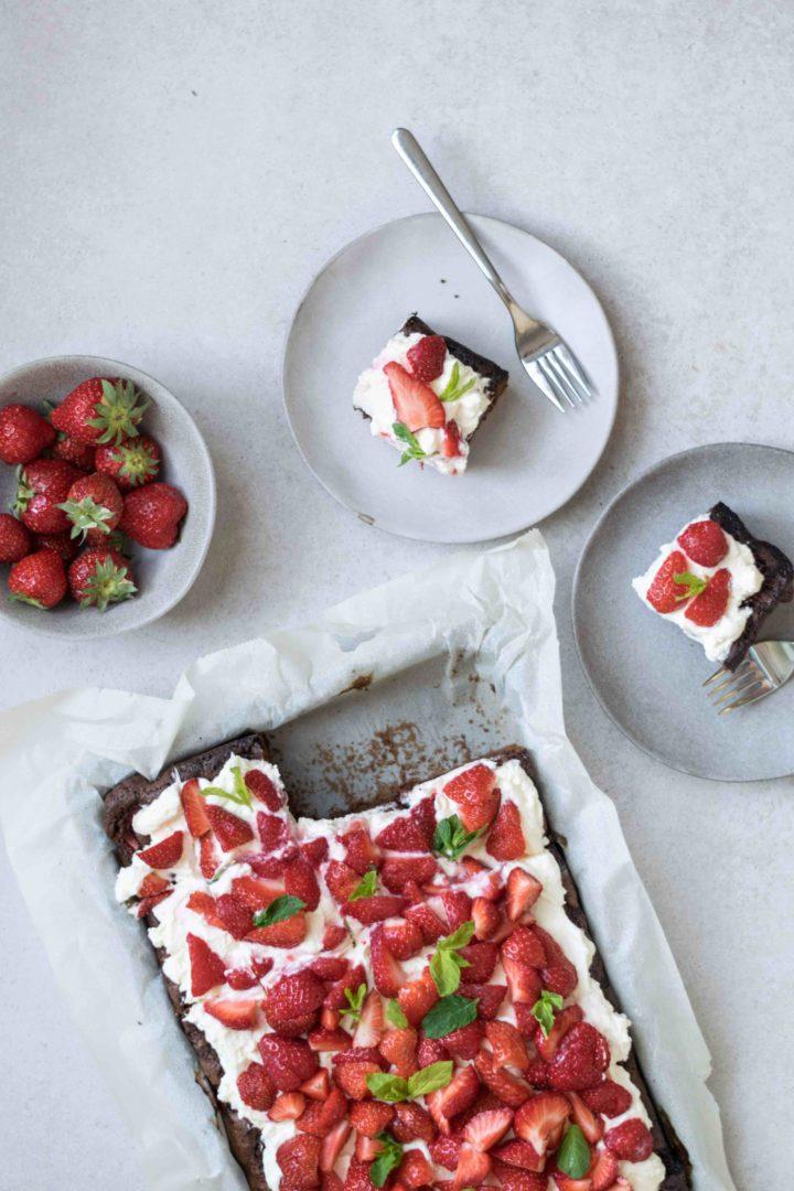 traumhafter Erdbeer Schokolade Kuchen