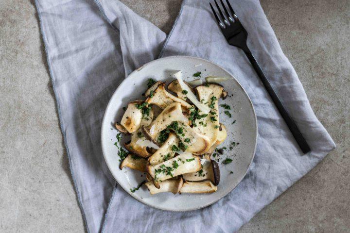 Kräuterseitlinge Rezept mit Parmesan und Petersilie