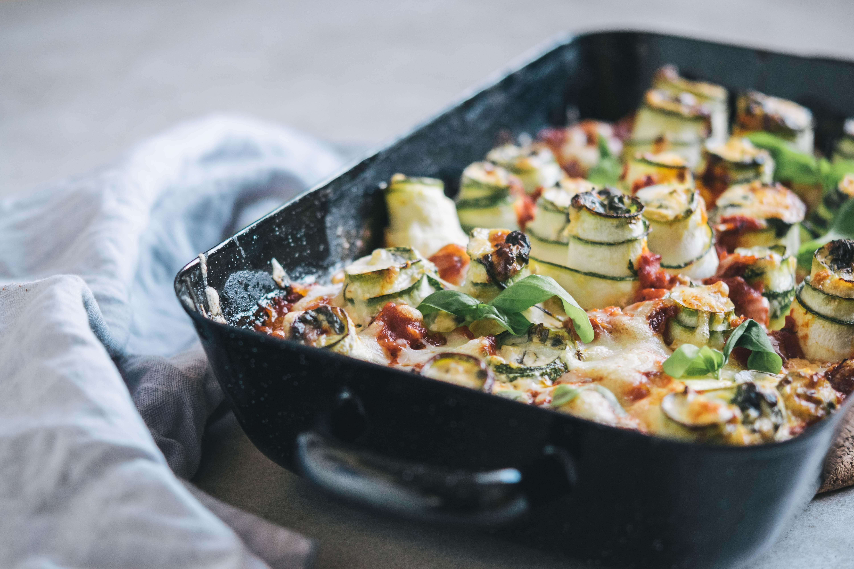 Zucchini-Cannelloni mit Frischkäse-Spinat-Füllung