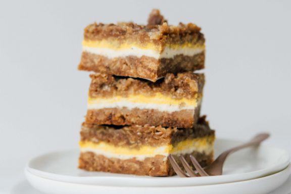 Kürbis-Cheesecake Schnitten mit Streusel