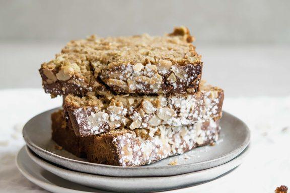 Rhabarber Kuchen mit weißer Schokolade