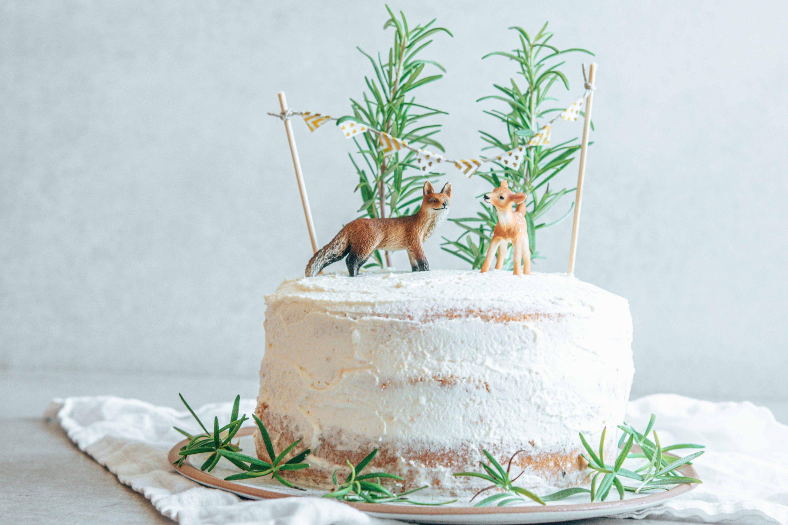 Naked Cake mit Waldtieren